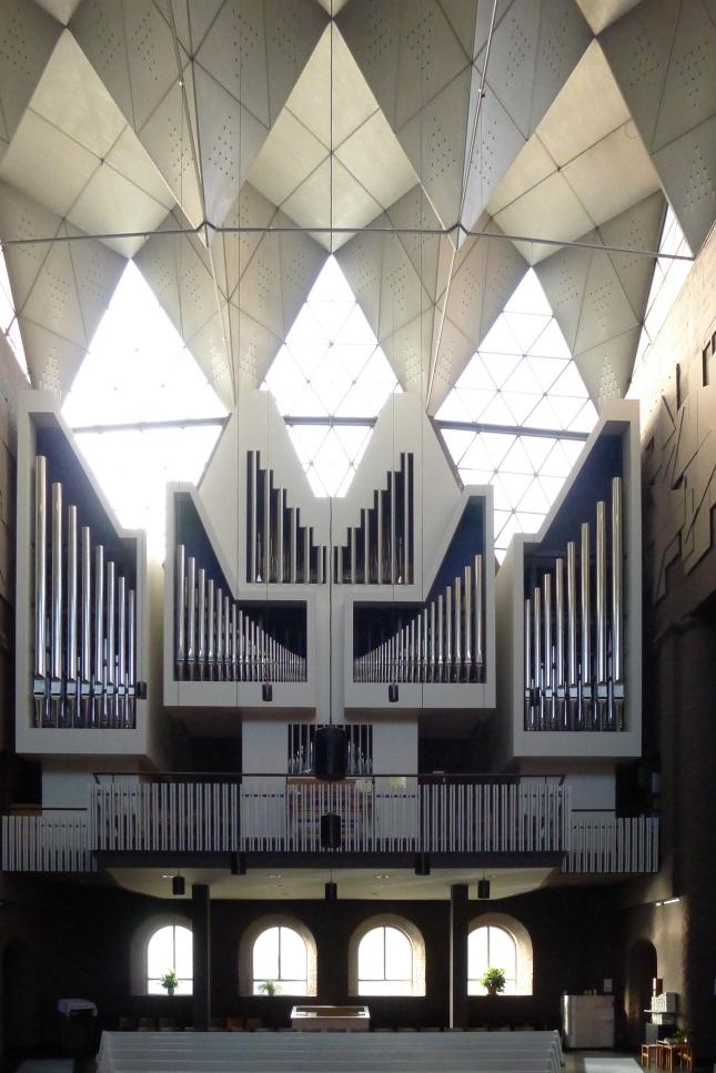 Epiphanien-Kirche_(Berlin)_Orgel