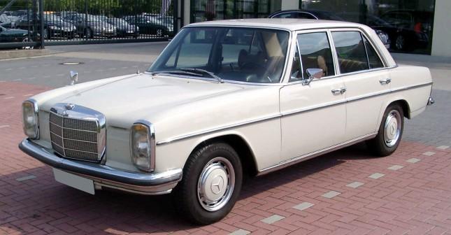 Mercedes-Benz_W115_front_20080816