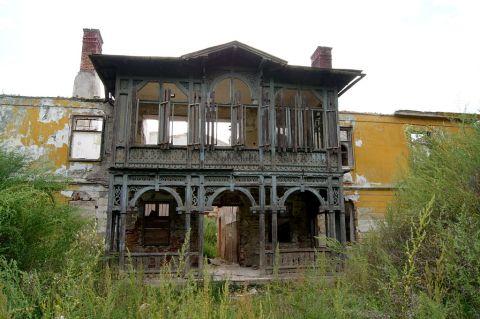 1024px-Herrenhaus_Austinfabrik_Veranda