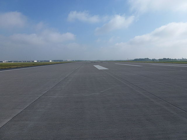 640px-BER_Runway-001