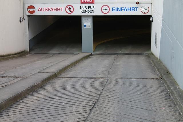 underground-car-park-273439_640