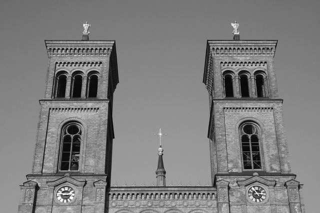 640px-St-Thomas-Kirche_Berlin_sw