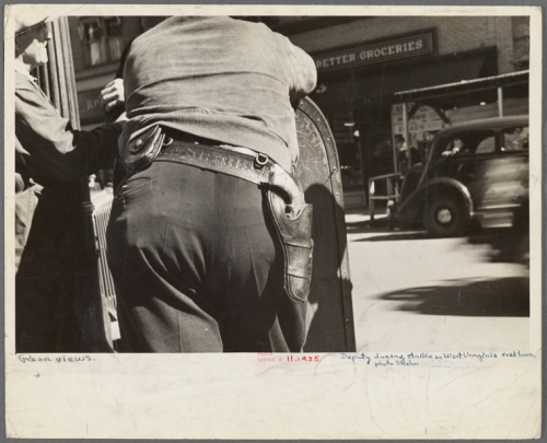nypl.digitalcollections.62a26240-fc13-0132-a31b-58d385a7bbd0.001.w